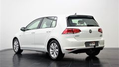 Foto Volkswagen Golf 1.0 TSI BUSINESS CONNECTED | Automaat | Executive Plus-pakket | Camera | Navigatie | Climate & Cruise Control | Trekhaak | Rijklaarprijs! (17671672-6.jpg)