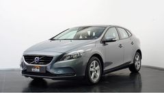 Foto Volvo V40 1.6 T2 120pk KINETIC | Business Pack Connect | Climate & Cruise Control | Navigatie-Systeem | Rijklaarprijs! (16687167-3.jpg)