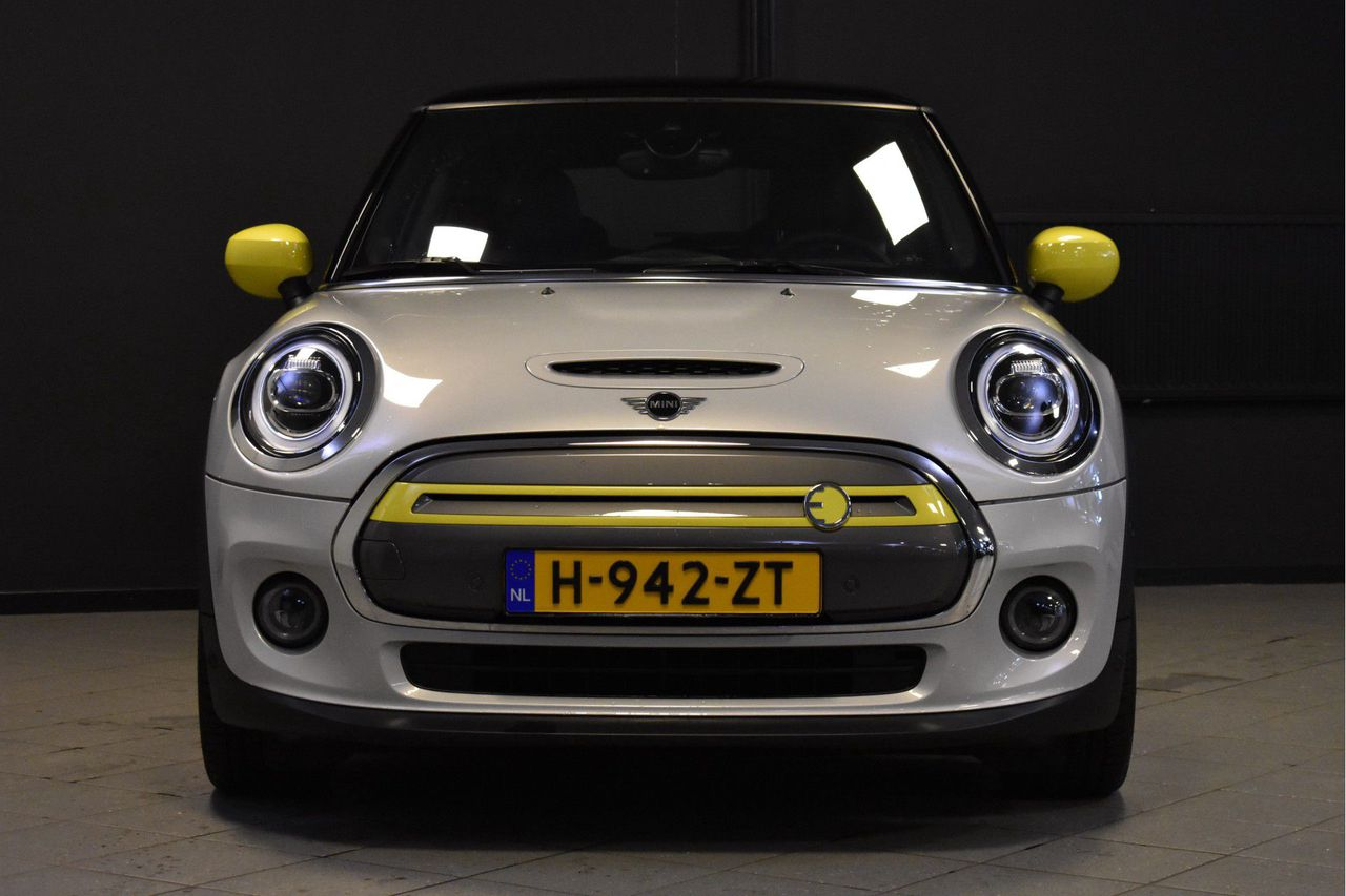 MINI Electric Charged