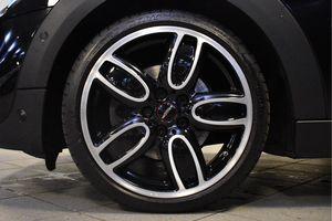 MINI Cooper S 5-deurs Chili Serious Business Aut.