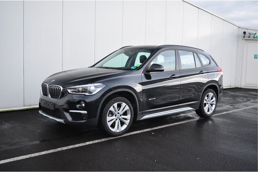 bmw x1 sdrive18i xline automaat occasion. Black Bedroom Furniture Sets. Home Design Ideas