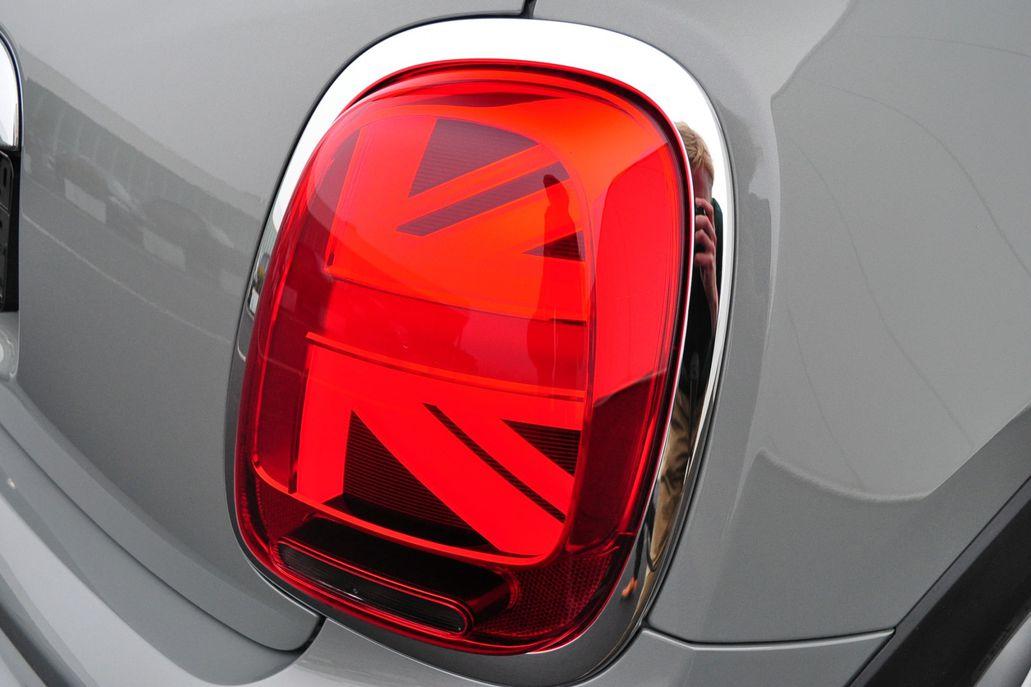 MINI Cooper S 3-deurs 60 Years Edition Aut.