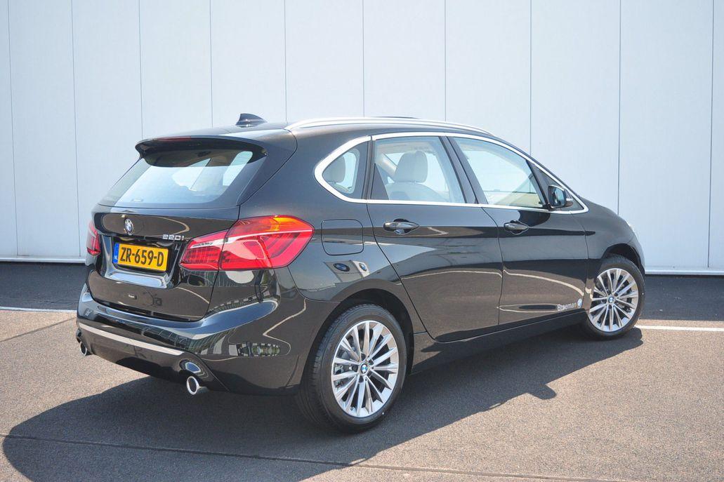 BMW 2 Serie 220i Active Tourer High Executive Luxury Line Aut.