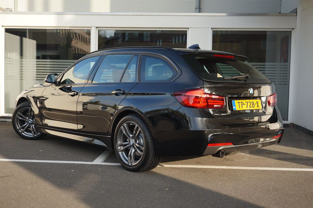 BMW 3 Serie 318i Touring M Sport Shadow Edition Aut.
