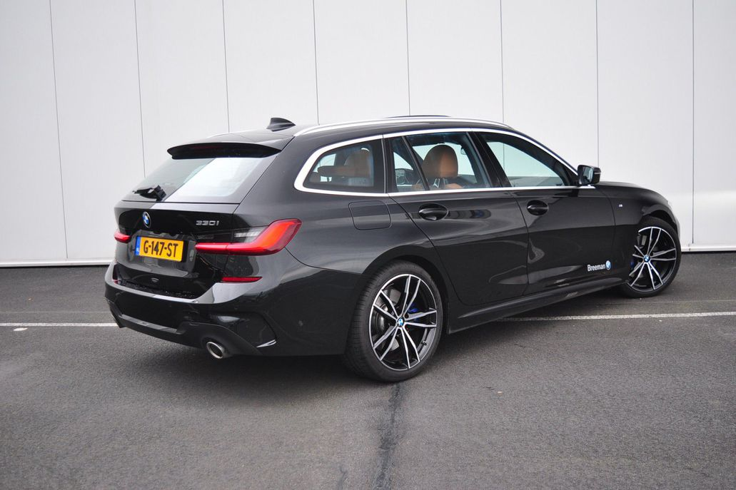 BMW 3 Serie 330i Touring Introduction High Executive Aut