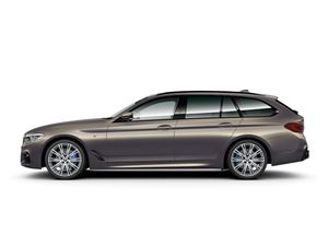 BMW 540i xDrive Touring Model M Sport