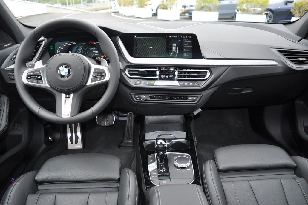 BMW 1 Serie M135i xDrive High Executive Aut.