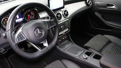 Foto Mercedes-Benz GLA-Klasse 180 Business Solution AMG Automaat | Navigatie | Camera | Park. Sensoren | Stoelverwarming | 19'' Velgen | LED Koplampen | Connected Services | Rijklaarprijs! (20877814-9.jpg)