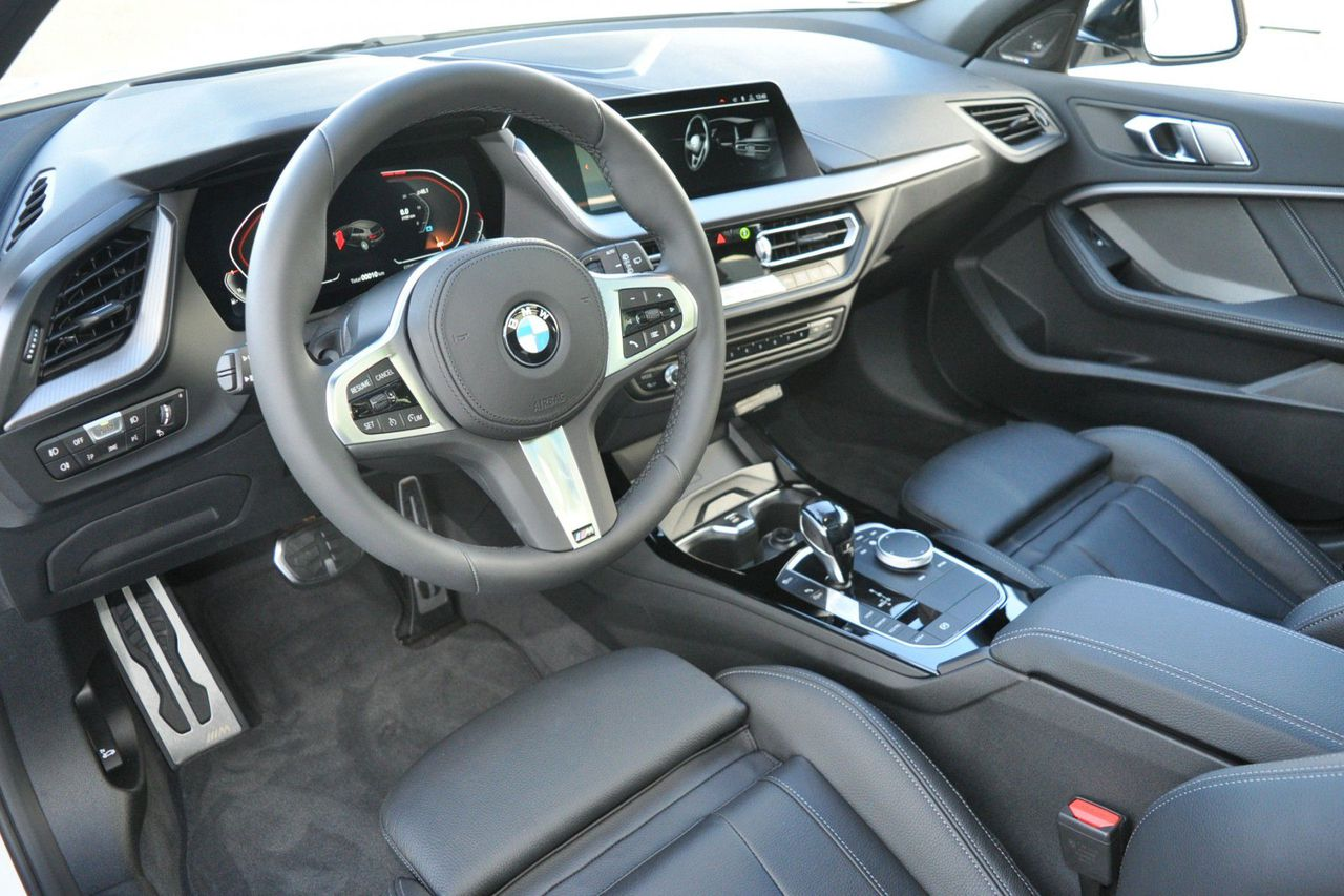 BMW 1 Serie 5-deurs 118i High Executive