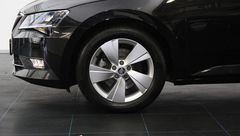 Foto Škoda Superb Combi 1.4 TSI ACT Ambition Business Automaat | Navigatie | Elek. Trekhaak | Park. Sensoren | Geheugenstoelen | Stoelverwarming | Connected Services | Rijklaarprijs! (20798115-6.jpg)