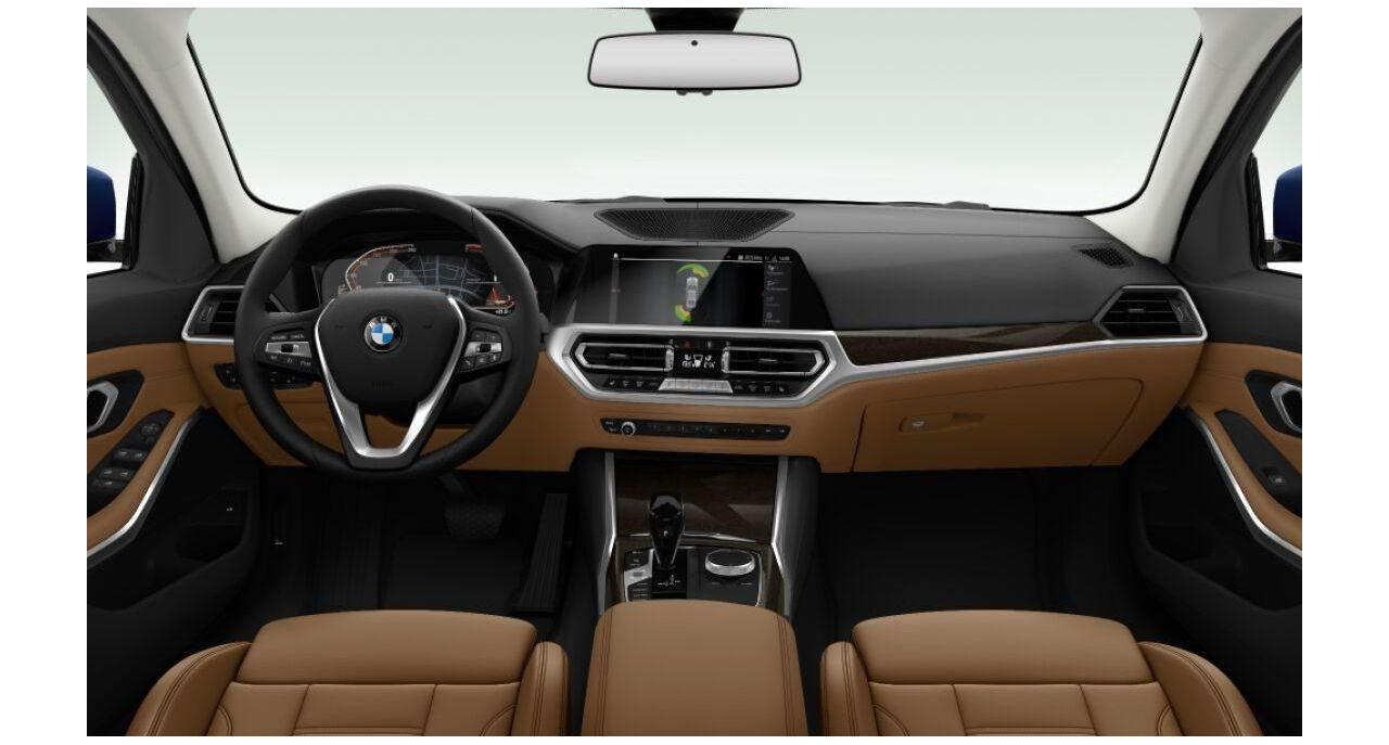 BMW 320i Sedan Luxury Line