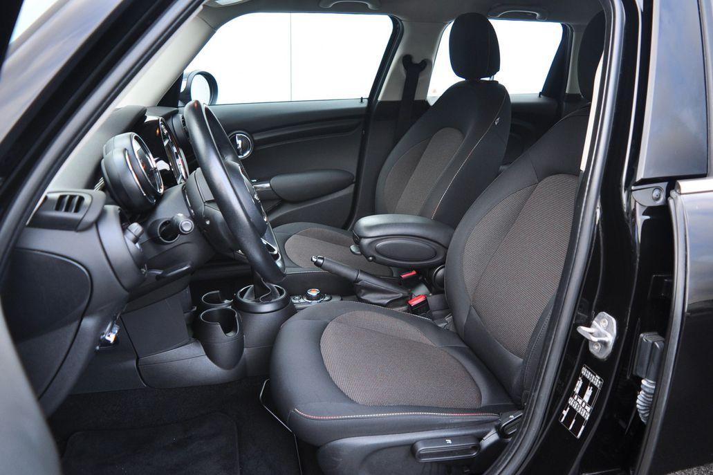 MINI Cooper 5-deurs Business