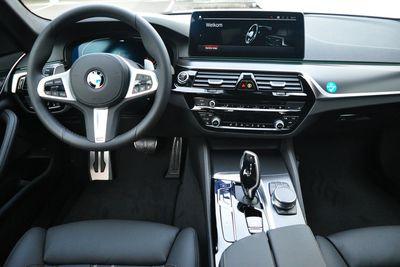 BMW 5 Serie Sedan 520i High Executive