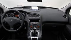 Foto Peugeot 5008 1.6 THP GT | Panoramadak | Head-Up Display | Navigatie | Cruise & Climate Control | Park. Sensoren | Trekhaak | Radio-CD/MP3 Speler | Bluetooth Tel. | Rijklaarprijs! (22181014-13.jpg)